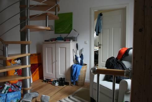 Flur vorher:   von  immoptimum HOME STAGING GbR
