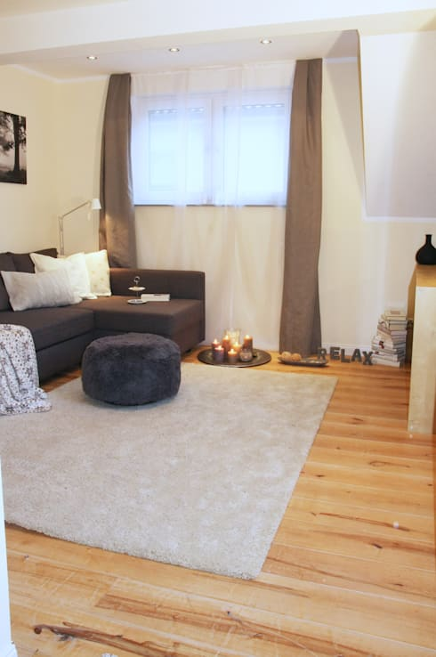Wohnzimmer nachher:   von  immoptimum HOME STAGING GbR