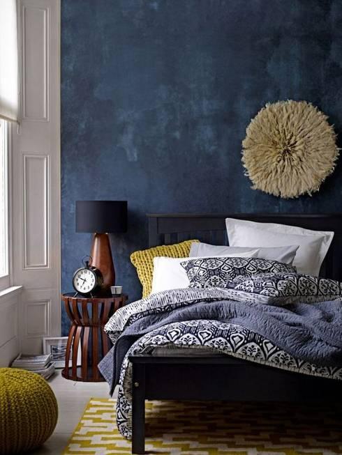 Interior Design Eclectic: Quartos  por No Place Like Home ®