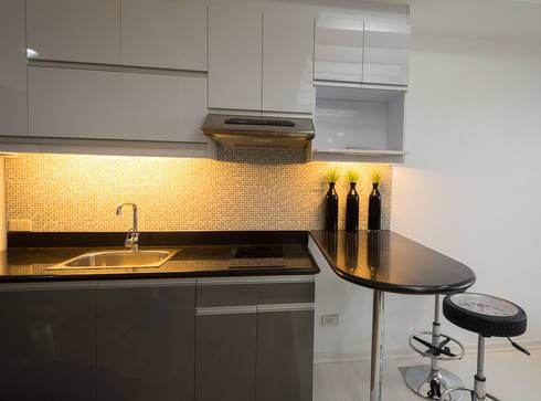 ACE Hotel & Suites:  Built-in kitchens by TG Designing Corner