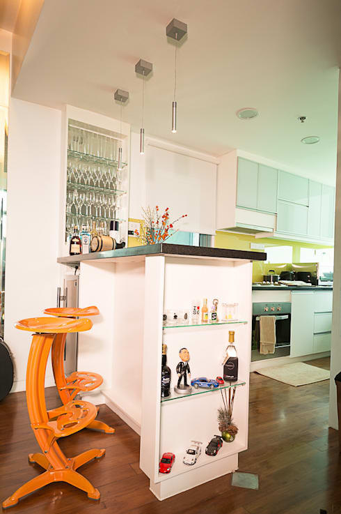 8 Forbes Town Road Golf View Residences: modern Kitchen by TG Designing Corner