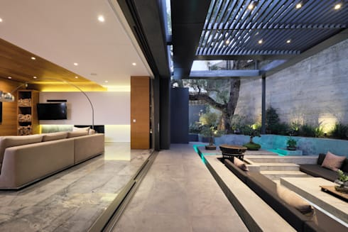 House Hunt in Bantry Bay, Cape Town:  Patios by KMMA