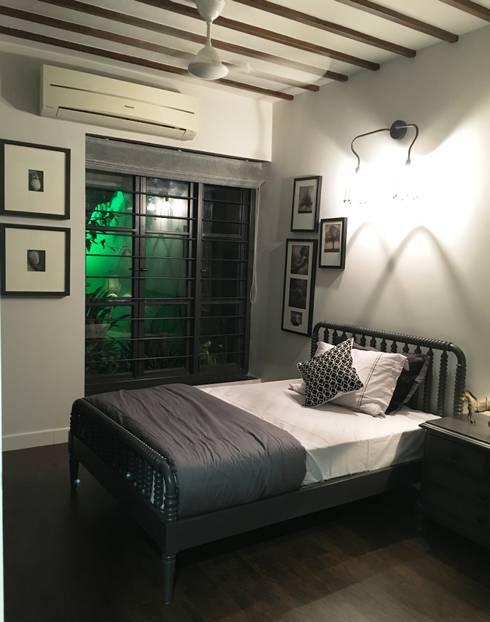 BEDROOM - 1:  Bedroom by DESIGNER'S CIRCLE