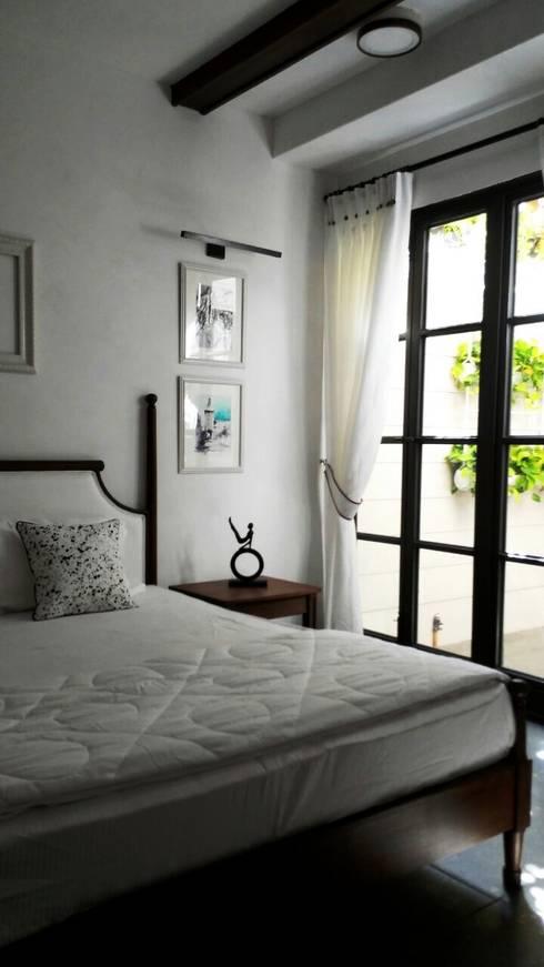 BEDROOM - 3(1):  Bedroom by DESIGNER'S CIRCLE