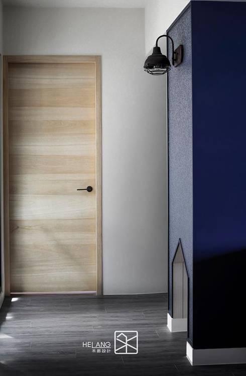 照明:  玄關、走廊與階梯 by 禾廊室內設計