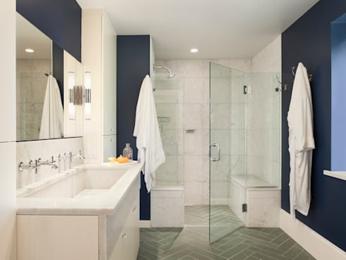 Cohen House: eclectic Bathroom by Metcalfe Architecture & Design