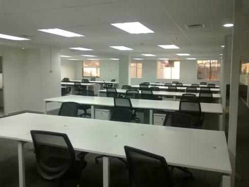 Entel Bandera: Oficinas y Comercios de estilo  por MSGARQ