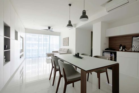 CITYLIFE @ TAMPINES: minimalistic Dining room by Eightytwo Pte Ltd