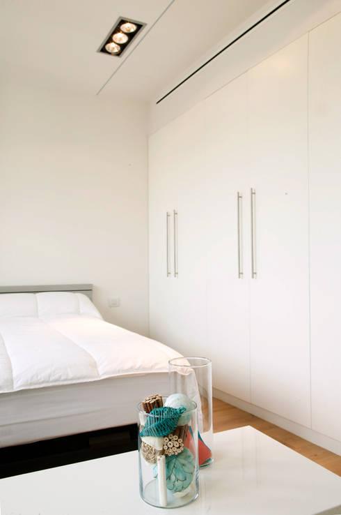 rehabilitación del dormitorio principal: Escaleras de estilo  de projectelab