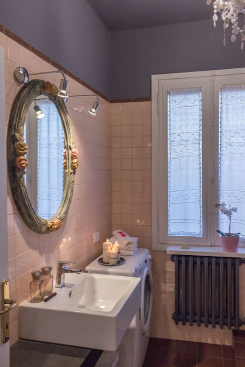 Baños de estilo moderno por Anna Leone Architetto Home Stager