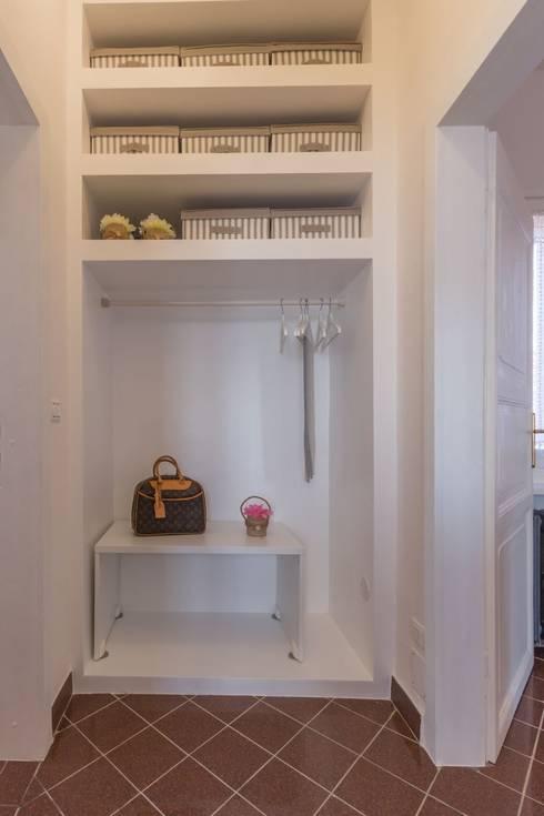 Closets  por Anna Leone Architetto Home Stager