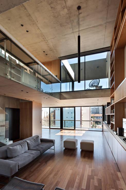 SENS Ravignani / Ravignani 2015-21: Livings de estilo  por ATV Arquitectos