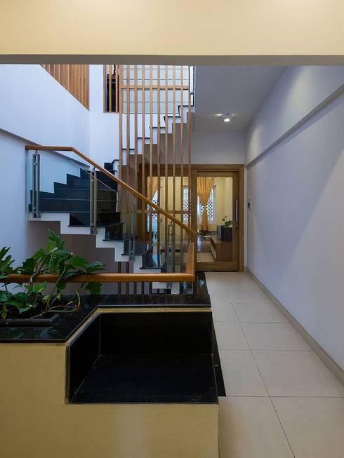 Cầu thang:  Cầu thang by Công ty TNHH Xây Dựng TM – DV Song Phát