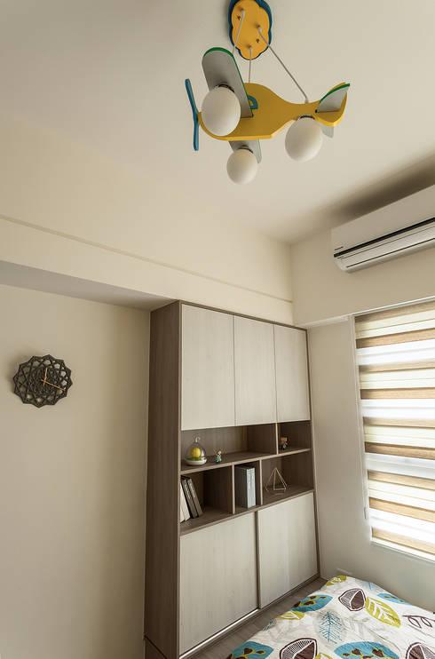 自成一格:  嬰兒房/兒童房 by 凡岩建築空間整合