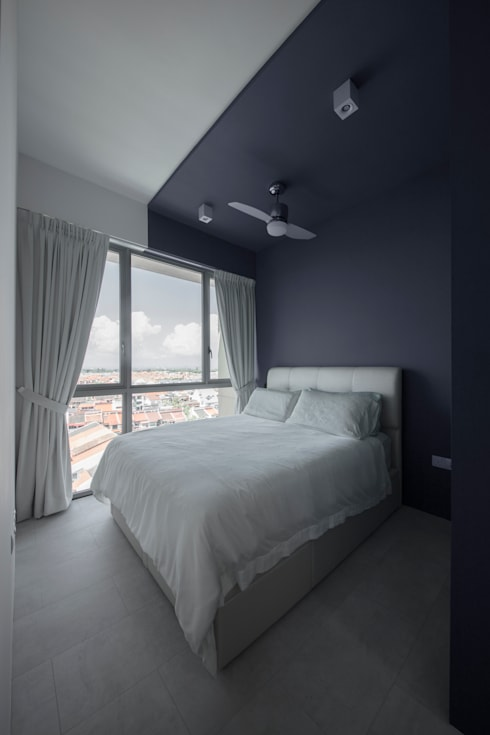 THE GLADES: minimalistic Bedroom by Eightytwo Pte Ltd
