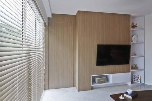 COTE D'AZUR: scandinavian Living room by Eightytwo Pte Ltd