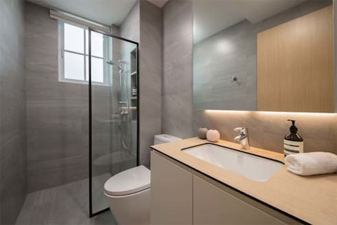 EASTWOOD GREEN 2: tropical Bathroom by Eightytwo Pte Ltd