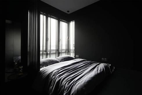 THOMSON THREE: modern Bedroom by Eightytwo Pte Ltd