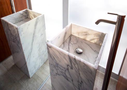 UP – Lavatorio: Baños de estilo minimalista por Chetecortes