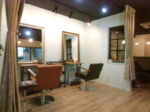 貴賓スペース: 株式会社アトリエKCが手掛けたオフィススペース&店です。