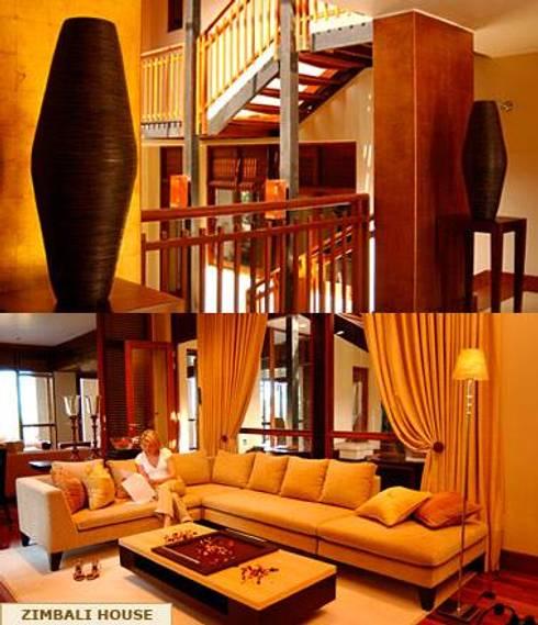 ENTRANCE AND LIVING ROOM: minimalistic Living room by Kiara Tiara by Tanja Tomaz