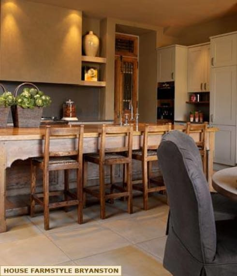 FARMSTYLE KITCHEN DESIGN: colonial Kitchen by Kiara Tiara by Tanja Tomaz