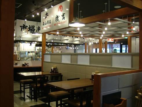 客席ホール: 株式会社アトリエKCが手掛けたレストランです。