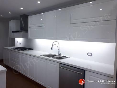 Cocina integral blanca grande cali colombia de cocinas for Cocinas integrales cali