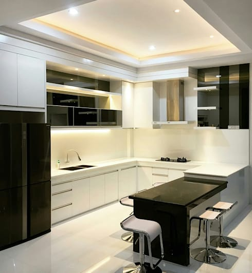 Dapur Bersih:  Dapur by Lighthouse Architect Indonesia