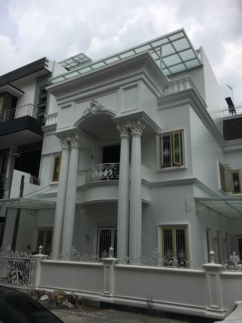 A.K. House, Taman Anggrek. Medan City:  Rumah by Lighthouse Architect Indonesia