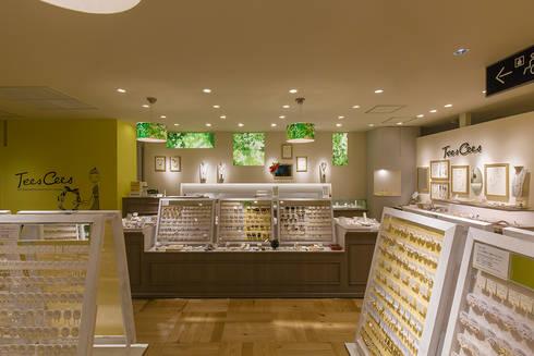 ファションアクセサリーショップ: 株式会社アトリエKCが手掛けたオフィススペース&店です。