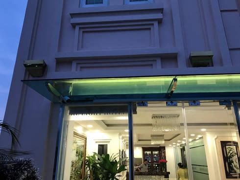 Khách sạn The Light:  Khách sạn by TNHH XDNT&TM Hoàng Lâm