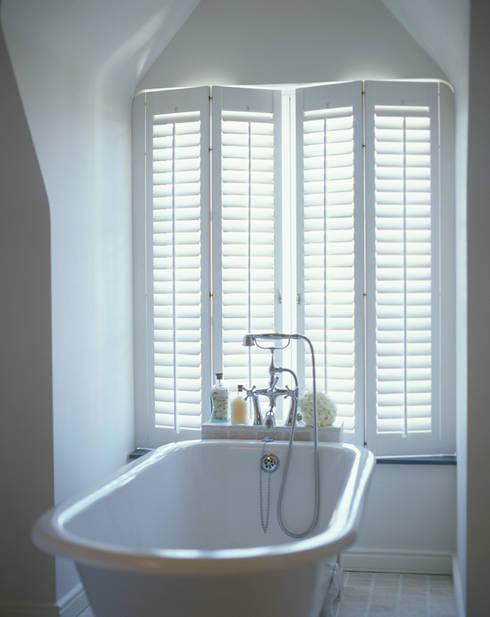 Bathroom Shutters: classic Bathroom by S:CRAFT