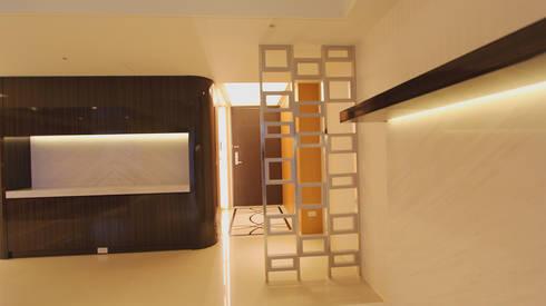 Project-3008:  Corridor & hallway by YU SPACE DESIGN