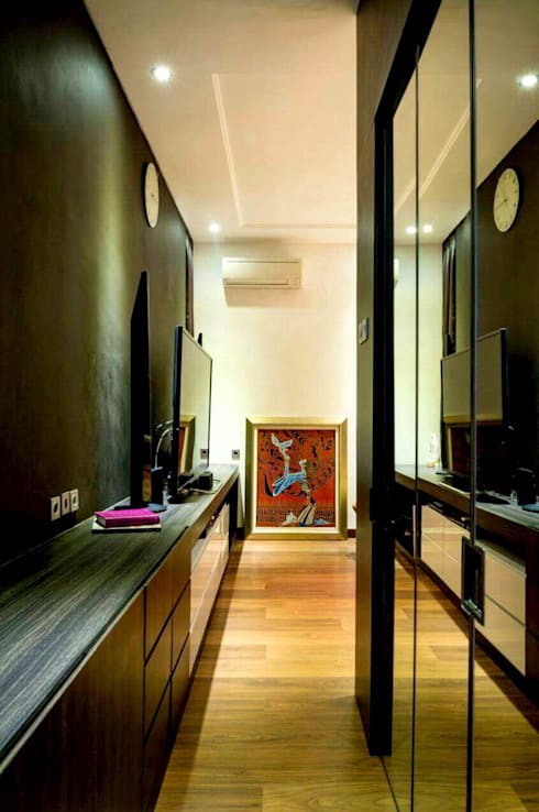 All Our Interior Works:  Corridor & hallway by Bro4u Pvt Ltd