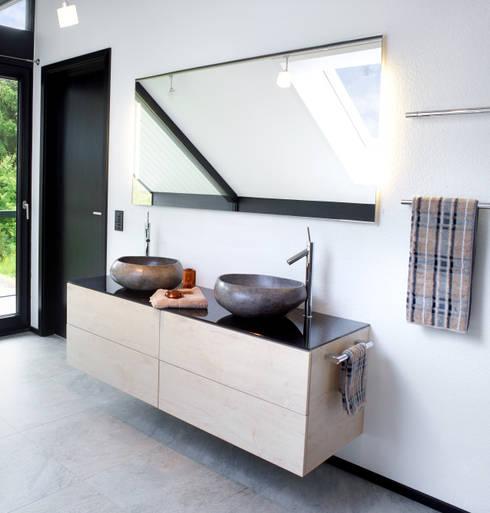 Modern Bathroom By DAVINCI HAUS GmbH U0026 Co.