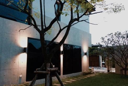 Chaleomprakiet Residence:   by Hausbangkok
