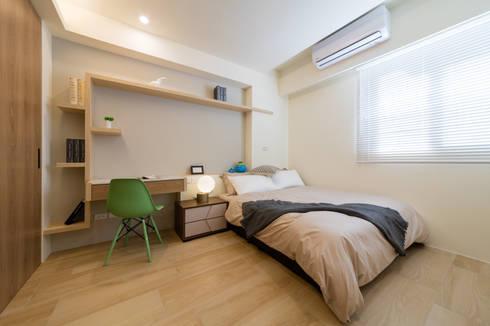 溫馨小孩房:  臥室 by 木皆空間設計