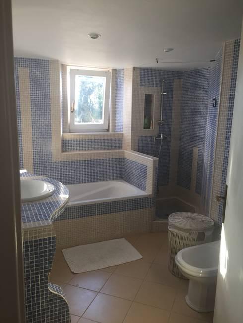 Baños de estilo moderno por Officina Boarotto