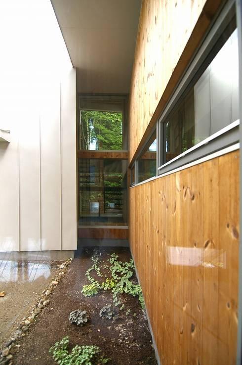 イヌエンジュの家: 株式会社 ATELIER O2が手掛けた家です。