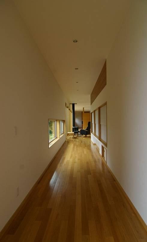 BORDER: 株式会社 ATELIER O2が手掛けた廊下 & 玄関です。
