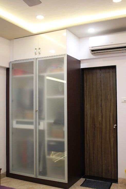 3BHK at Kalyani Nagar, Pune:  Bedroom by Finch Architects