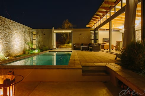 modern lodge:  Patios by drew architects + interiors