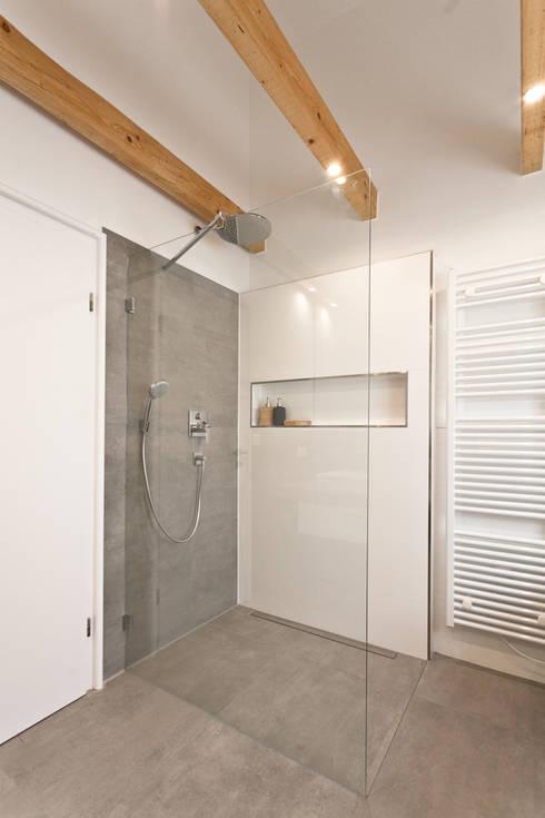 Banheiros Rústicos Por Banovo GmbH