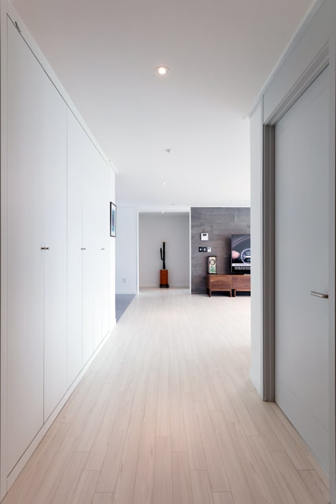 Corridor and hallway by 한디자인 / HAN DESIGN