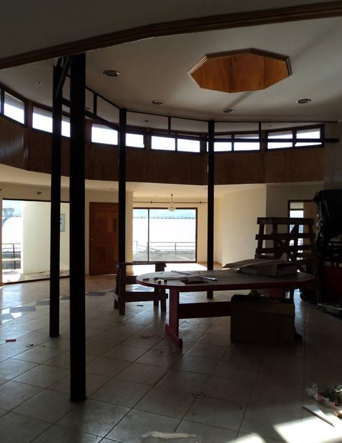 Casa Centrífuga: Casas de estilo minimalista por Tetralux Arquitectos