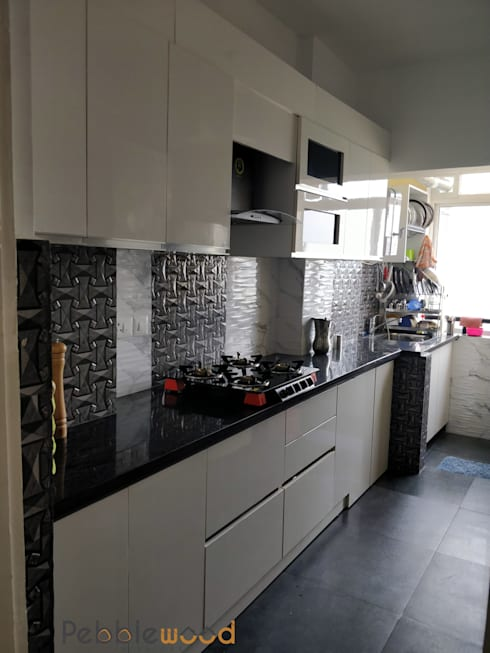 B6111 - DLF Westend Heights:  Kitchen by Pebblewood.in