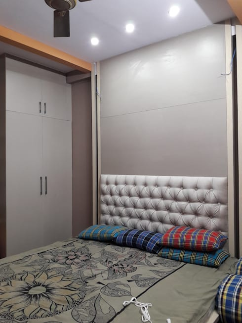 Project Gayatri—Mahalaxmi Layout—Bangalore: modern Bedroom by Pebblewood.in