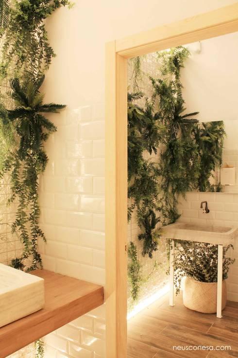 Restaurantes de estilo  por Neus Conesa Diseño de Interiores