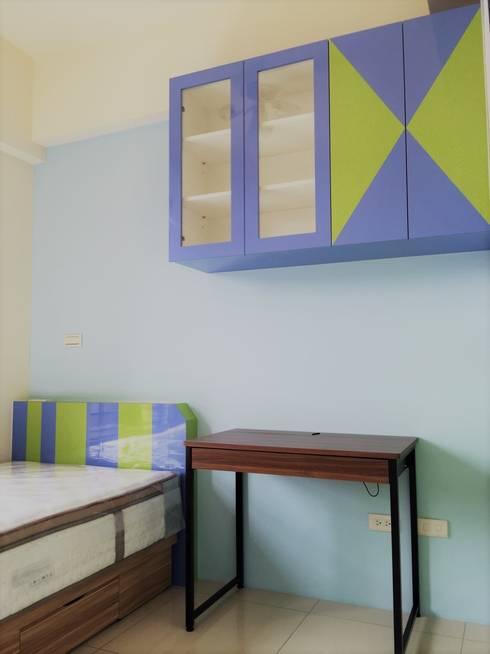 寶佳室內設計及施工:  嬰兒/兒童房 by 寶佳室內裝修工務所